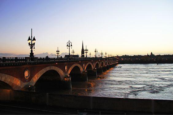 Мост через Гаронну