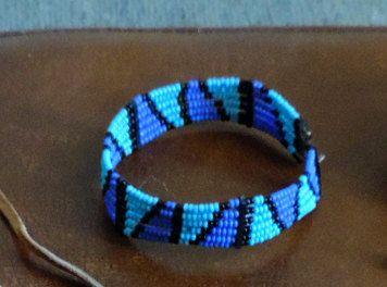 bracelet Massai fait à la main. de la boutique DLVjewells sur Etsy