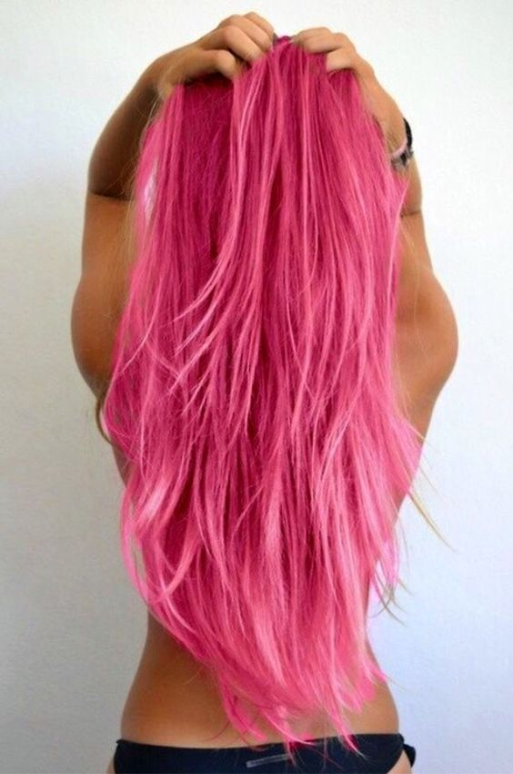 Добиться идеально розового цвета легче всего обладательницам светлых волос. Причем, чем светлее собственная грива, тем ярче выйдет оттенок