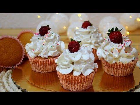 كب كيك الفانيليا بالزيت مع طريقة التزيين هش و اسفنجي ولا أشهى Youtube Desserts Tart Recipes Mini Cupcakes