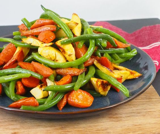Crisp Green Beans with Roasted Root Vegetables #vegan #side #rootvegetables