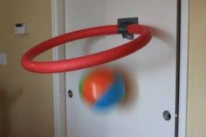 nouille-piscine-basket-interieur