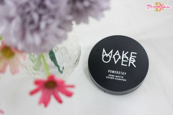 Makeover Powerstay Demi-Matte Cover Cushion