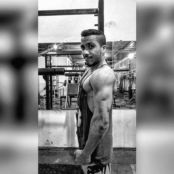 #boanoite #wourkoutmotivation #wourkout #academia #lifestyle #life #esmagaquecresce #dieta #hipertrofia #stylelife #academy #exercise #progresso #evoluindo #estilodevida #fitness #vibe #segunda 💪
