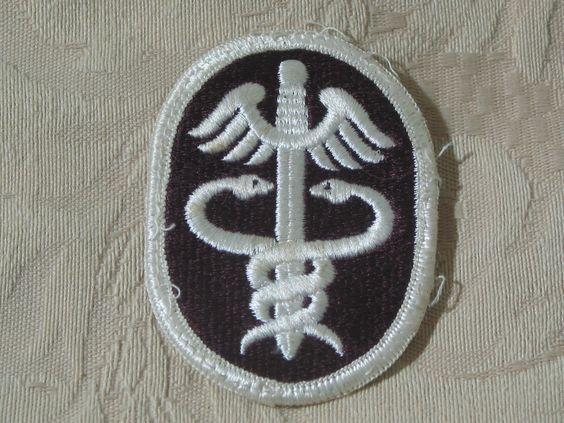 MILITARY SHOULDER PATCH Army Health Services Command 1973 Vietnam Era No Combat  Junk_595  http://ajunkeeshoppe.blogspot.com/