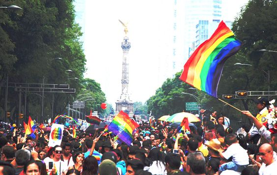 La marcha del orgullo gay LGBTTI, celebrada el día de hoy en la CDMX ha vestido la Ciudad de colores arcoiris, para lo que la Secretaría de Seguridad... #MexicoIncluyente #gay