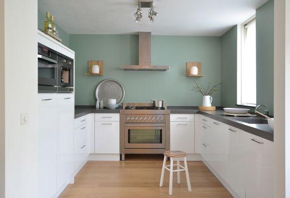 Groene keuken hakken and ovens on pinterest - Kleur verf moderne keuken ...