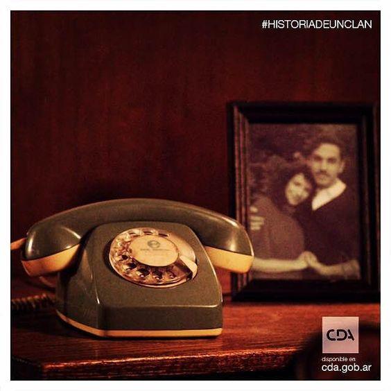 Reviví la historia de la familia que marcó los 80' #HistoriaDeUnClan #Clan #Puccio #Series #FicciónNacional #Ficción #ContenidosDigitales #SeriesTV #VideosaDemanda Disponible en #CDA