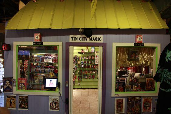Tin City Magic | Tin City Naples Florida