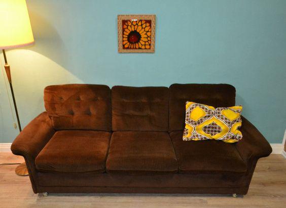 Vintage Sitzgarnituren - ✿Vintage✿ 70er KORD Couch Cordcouch braun 3er Sofa - ein Designerstück von LOOKandVINTAGE bei DaWanda