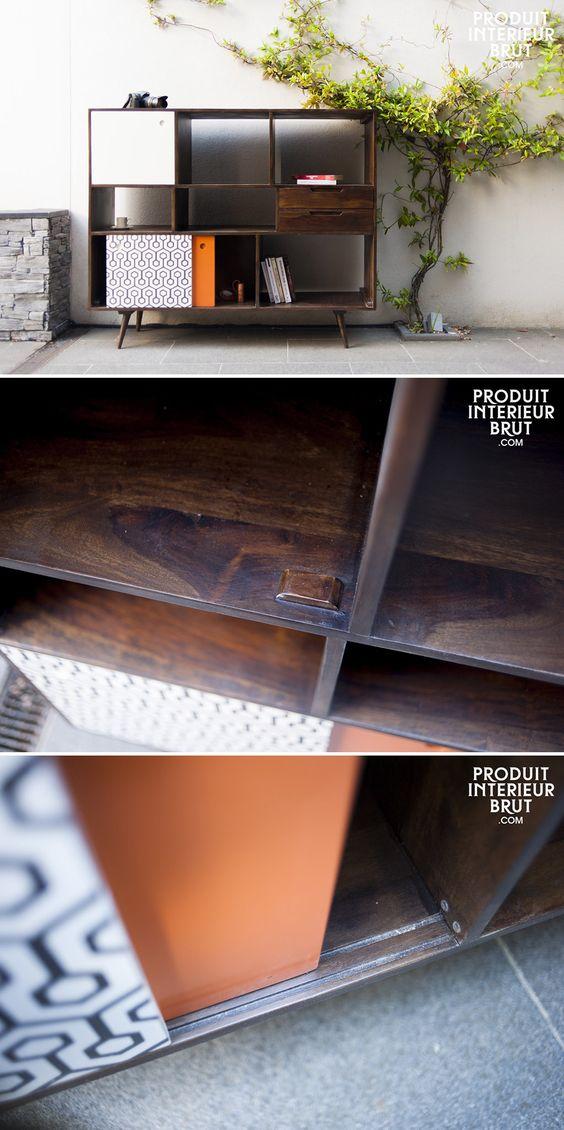 Es handelt sich um ein äußerst praktisches Möbel, da es sogar für größere Gegenstände reichlich Abstellraum bietet