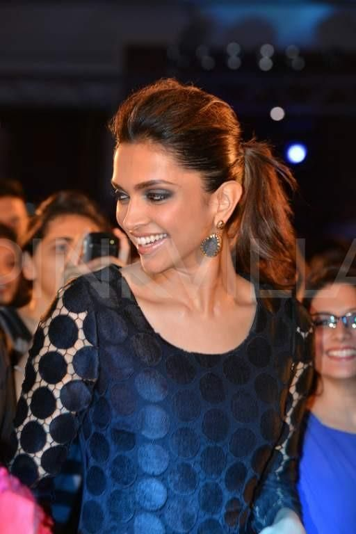 Deepika Padukone's ramp walk with her fans 1