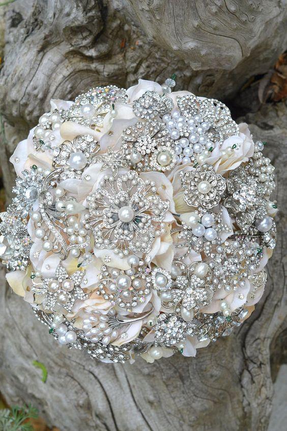 heirloom brooch bouquet