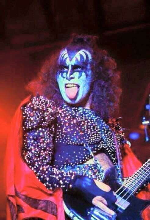 Pin By Pat On Kiss Hot Band Eric Carr Gene Simmons