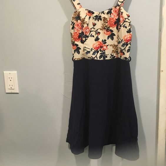 Cute floral dress Very cute! Floral top and dark blue bottom Dresses Maxi