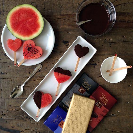 """""""Ich habe eine Wassermelone getragen"""" – Aus Wassermelone und Schokolade kann man eine leckere Erfrischung zaubern."""