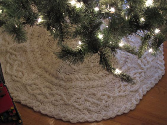 Hey, I found this really awesome Etsy listing at https://www.etsy.com/listing/214400265/hand-knit-cable-tree-skirt