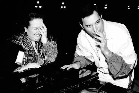 Freddie Mercury (17)De papinho com Montserrat Caballé