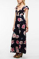 Urban Outfitters - Cutout Maxi Dress