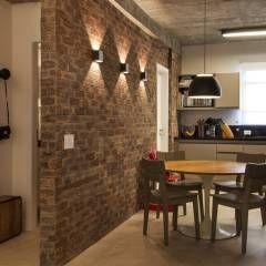 Sala almoço/cozinha: Salas de jantar translation missing: br.style.salas-de-jantar.moderno por AREA ARQUITETURA