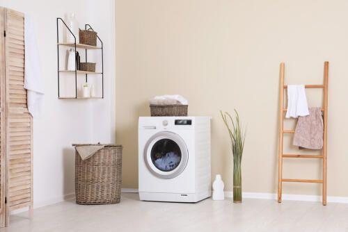 洗濯機周辺の収納アイデア 上と横のデッドスペースを活用しよう 暮らしの知識 オリーブオイルをひとまわし ドラム式洗濯機 収納 アイデア 収納 ランドリー