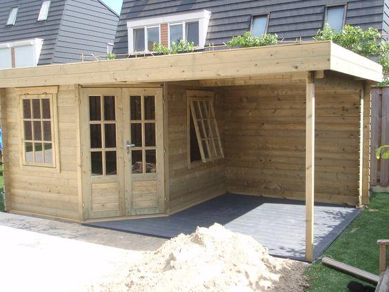 Blokhut tuinhuis met overkapping veranda tuin sfeervol tuinmani tuin pinterest tuin - Deco tuinhuis ...