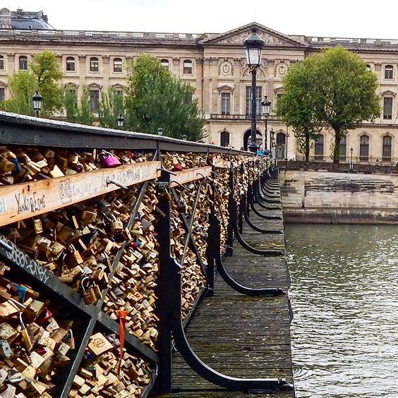 The bridge of locks. Paris photography by Christine Lueddecke