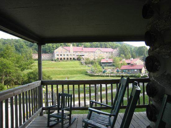 Mountain Lake Lodge In The Appalachian Mountains In