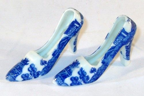 Blue Willow High Heel Shoe Miniature Shoes Collectible