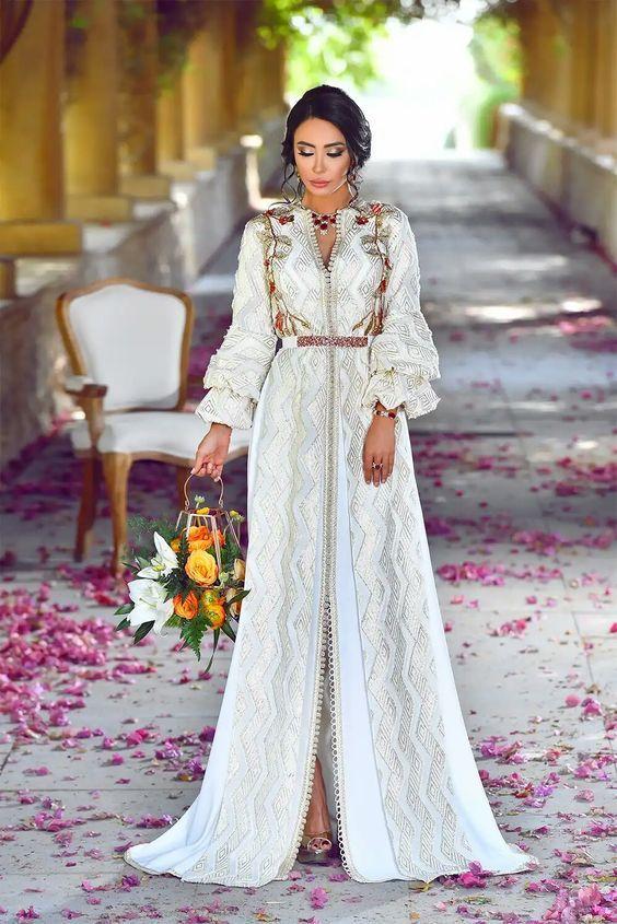 Caftan 2018 Printemps - Caftan Marocain de Luxe - Caftan Marocain de Luxe  2018   Boutique Vente Caftan Pas Cher 1994e03f945