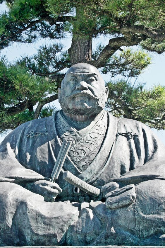 Statue of Takeda Shingen which stands in front of Shioyama Station  #Samurai