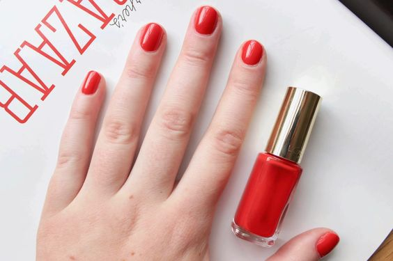 L'Oreal's 408 Exquisite Scarlet is a true red that was pretty much made to be worn for the holidays.