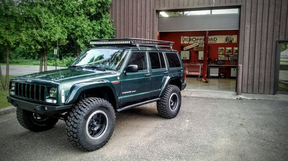 Small Lift With Big Tires Jeep Cherokee Forum More Jeep Cherokee Jeep Cherokee Xj Jeep Xj