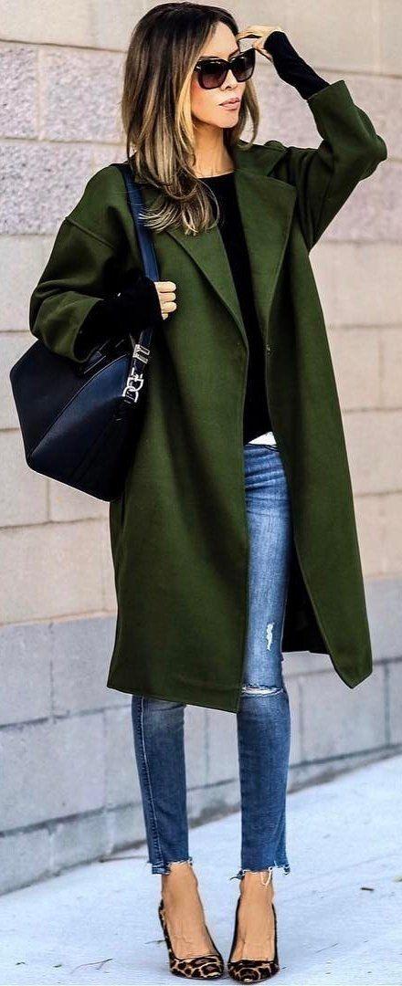 #winter #fashion /  Green Coat / Bleached Skinny Jeans / Leopard Pumps / Black Leather Shoulder Bag