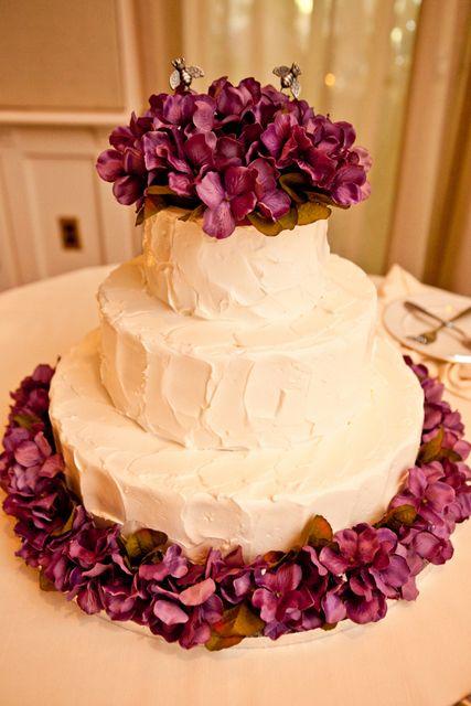 romantic wedding cake | Photographer: Caitlinn Mahar-Daniels Photography