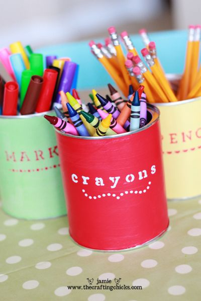 Colourful desk organizers with recycled cans ... get creative and use different kind of containers in the bathroom, bedroom, kitchen ~m