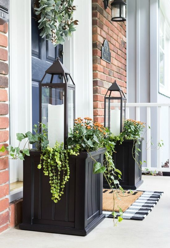 25 Chic And Bold Front Door Planter Ideas Front Porch Decorating