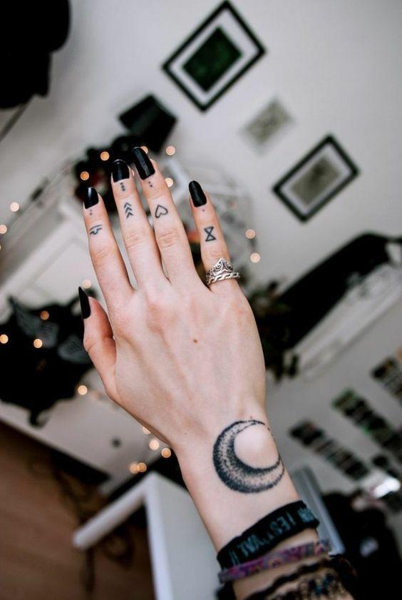 Tatuajes En Los Dedos De La Mano Para Mujer