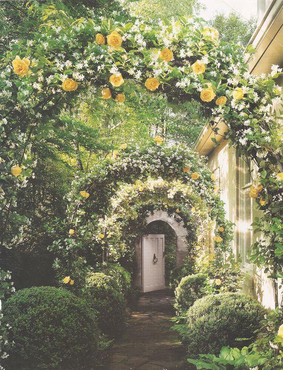 Dream Garden. From Veranda Magazine, May-June 2001, Jeannie Huff homeowner