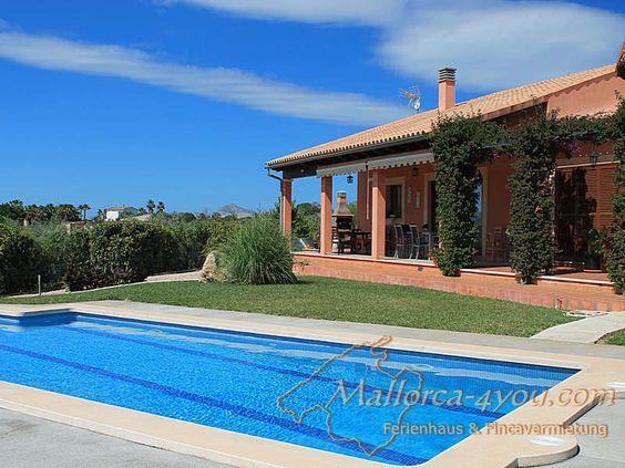 Die Finca Son Marti ist ideal für die kleine Familie bei 4 Peronen und nur 3 km vom Strand im Norden von Mallorca nahe Muro entfernt.