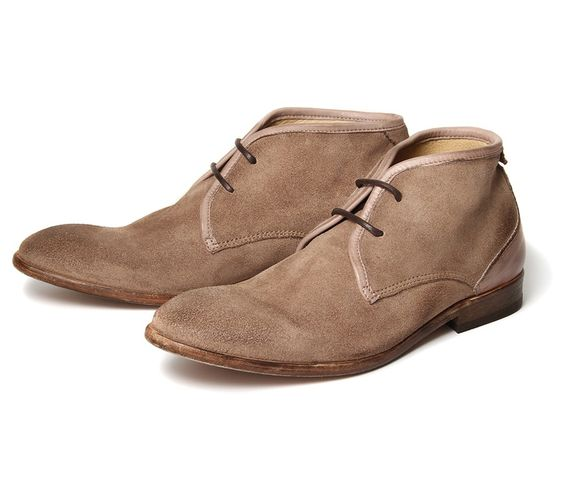 Cruise Stone (170,00€) - Cruise has been in the H range for many seasons, this simple stone suede chukka has a design that has stood the te...