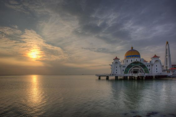 Sunset at Malacca Straits Mosque by David Gn on 500px