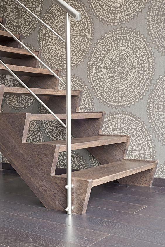 Rechte verniste houten trap met open treden trappen pinterest interieur and met - Redo houten trap ...
