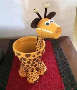 Terra Cotta Giraffe Is Made With A 4 Inch Body A 2 Inch Head And Small Pots For Feet Around 10 To 12 Clay Pot Crafts Terra Cotta Pot Crafts Painted Clay Pots