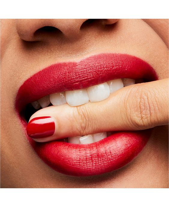 How To Lip Peeling at Home