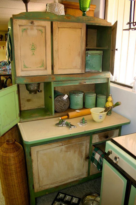 Always love a good hoosier cabinet hoosiers now and then for Kitchen queen cabinet