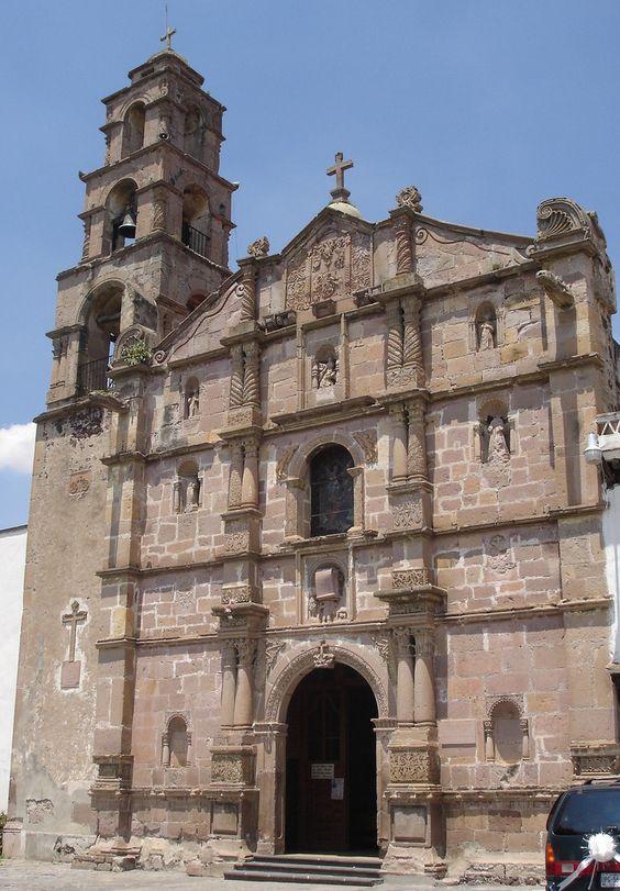 Conjunto de templo y convento franciscano del siglo XVI  en Aculco de Espinoza, Estado de México.