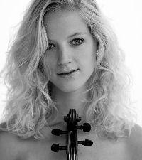 Merel Vercammen begon op vijfjarige leeftijd met vioollessen en studeerde vanaf haar vijftiende jaar bij Eeva Koskinen aan het Utrechts Conservatorium. Na het behalen van haar Bachelor of Music (Honours) bij Jan Repko aan het Royal College of Music in Londen in 2012, vervolgt Merel haar vioolstudie sinds september 2012 in de Master of Performance aan hetzelfde instituut. Hiervoor ontving zij onder andere studiebeurzen van het Prins Bernhard Cultuurfonds (Cultuurfondsbeurs).
