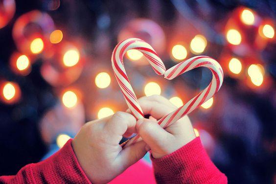 christmas photography ideas - #christmas, #christmaslights    by AnnetteB    www.photoideashop.com