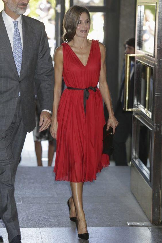 اناقة ليتيزيا ملكة إسبانيا 22d3677a58c9c57cc2e0